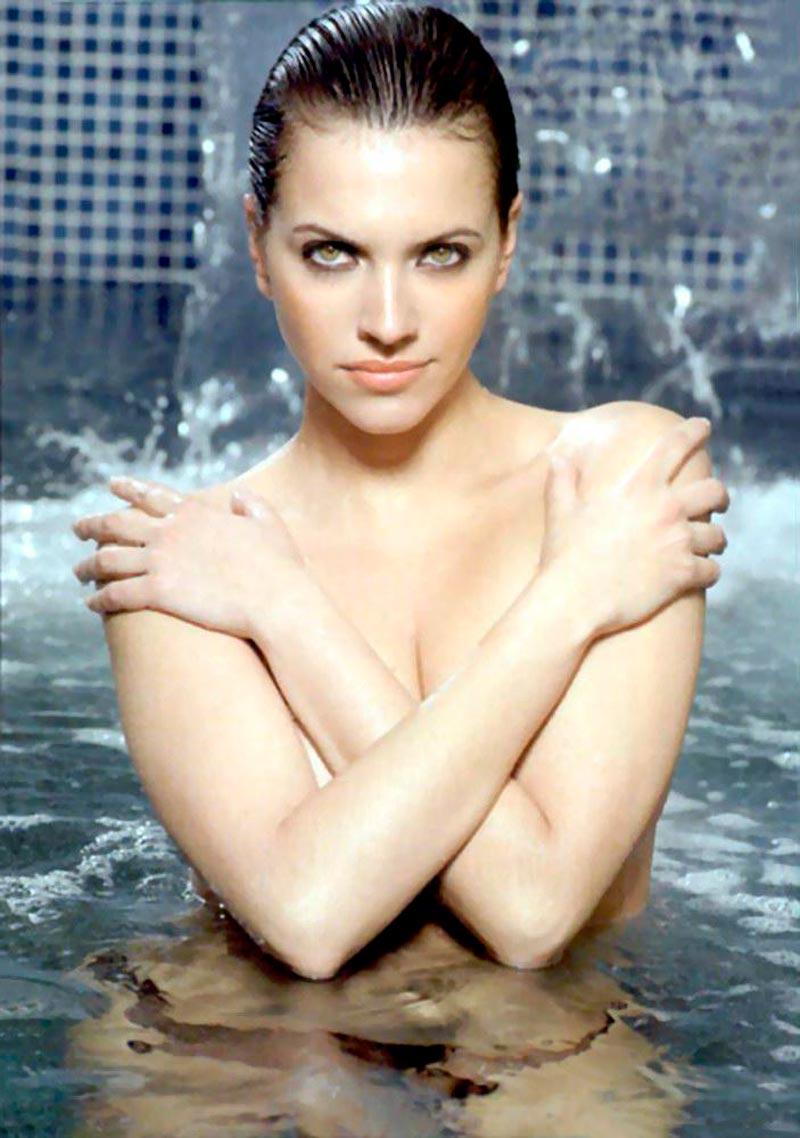Ana Ruíz Fotos Semidesnuda Topless