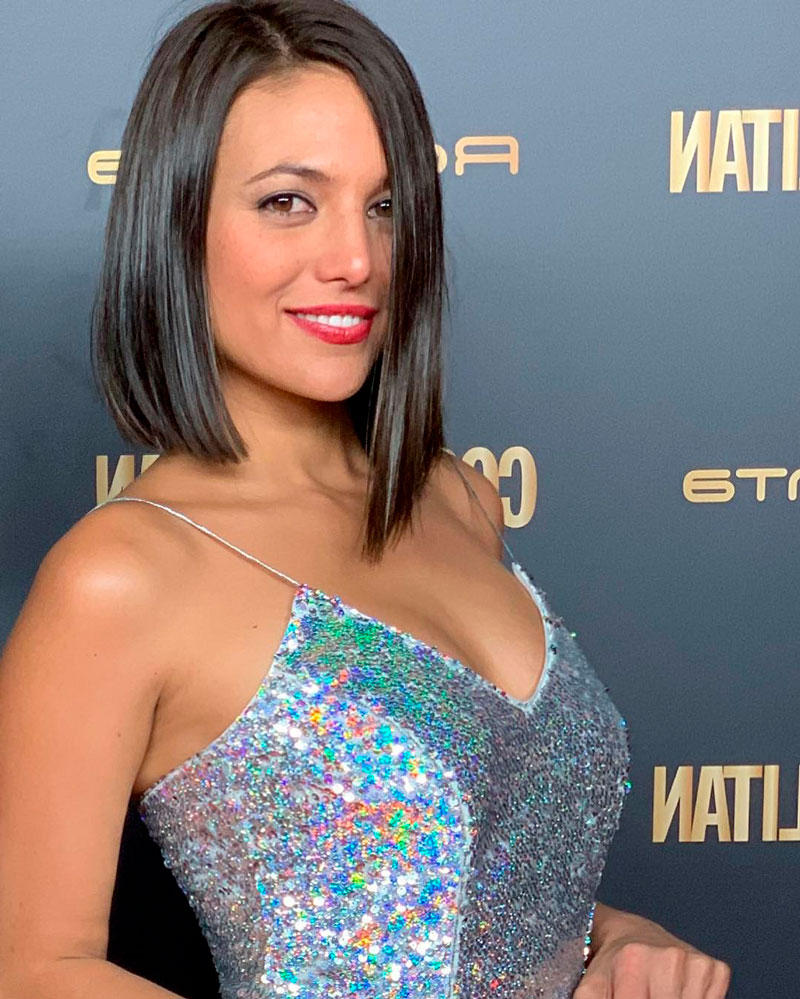 Elisa Mouliaa Atractiva Actriz Aguila Roja