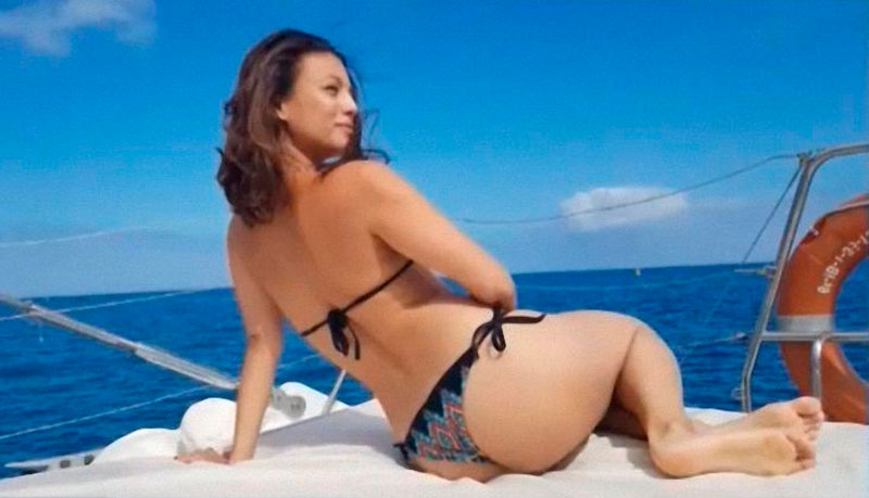 Elisa Mouliaa Bikini Cuerpo Infartante 6