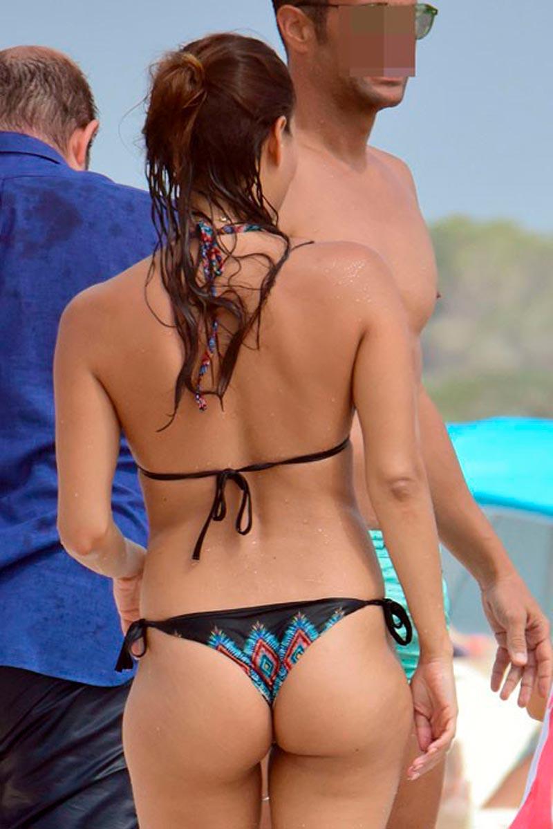 Elisa Mouliaa Bikini Cuerpo Infartante
