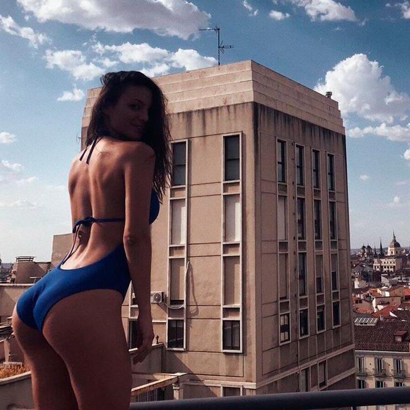 Elisa Mouliaa Exuberante Bikini Actriz Espanola 3