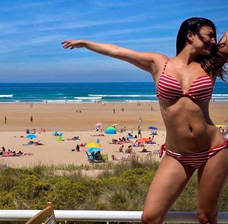 Elisa Mouliaa Exuberante Bikini Actriz Espanola 5