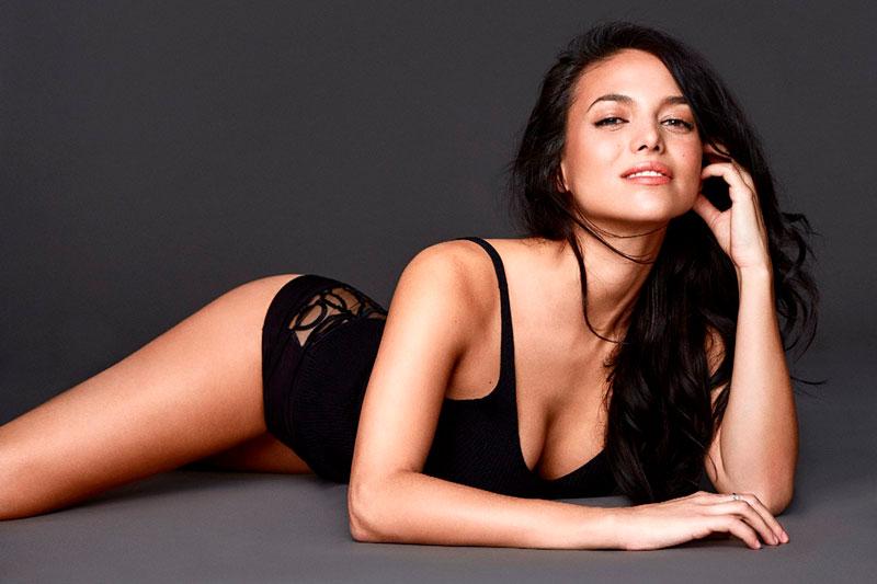 Elisa Mouliaa Fotos Eroticas Lenceria