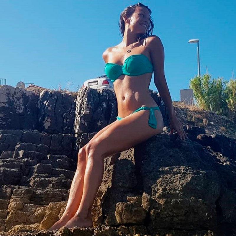 Elisa Mouliaa Fotos Hot Bikini Sensualidad 4