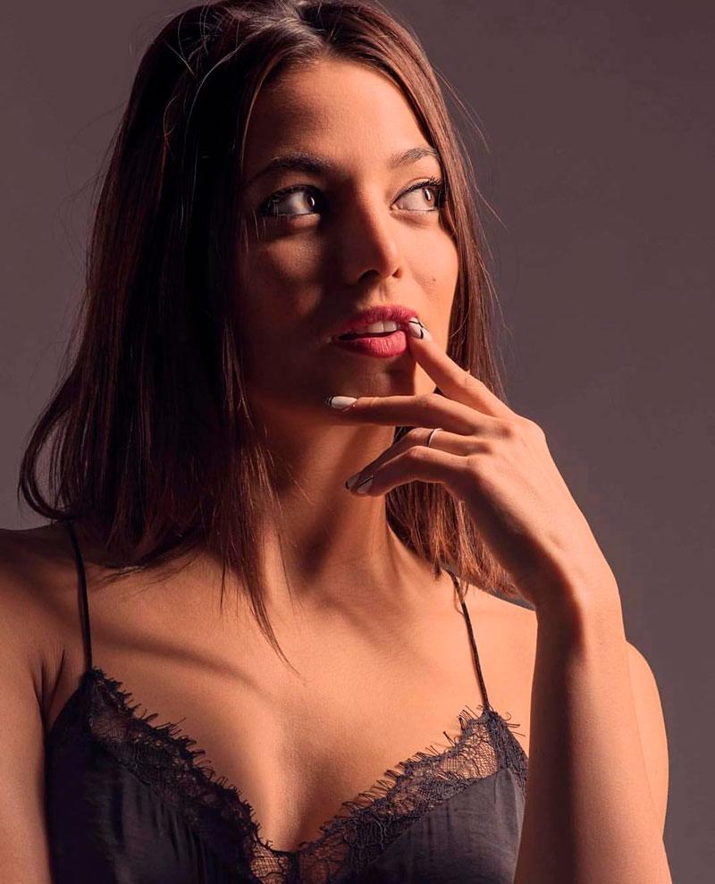 Elisa Mouliaa Fotos Sexys Instagram 7