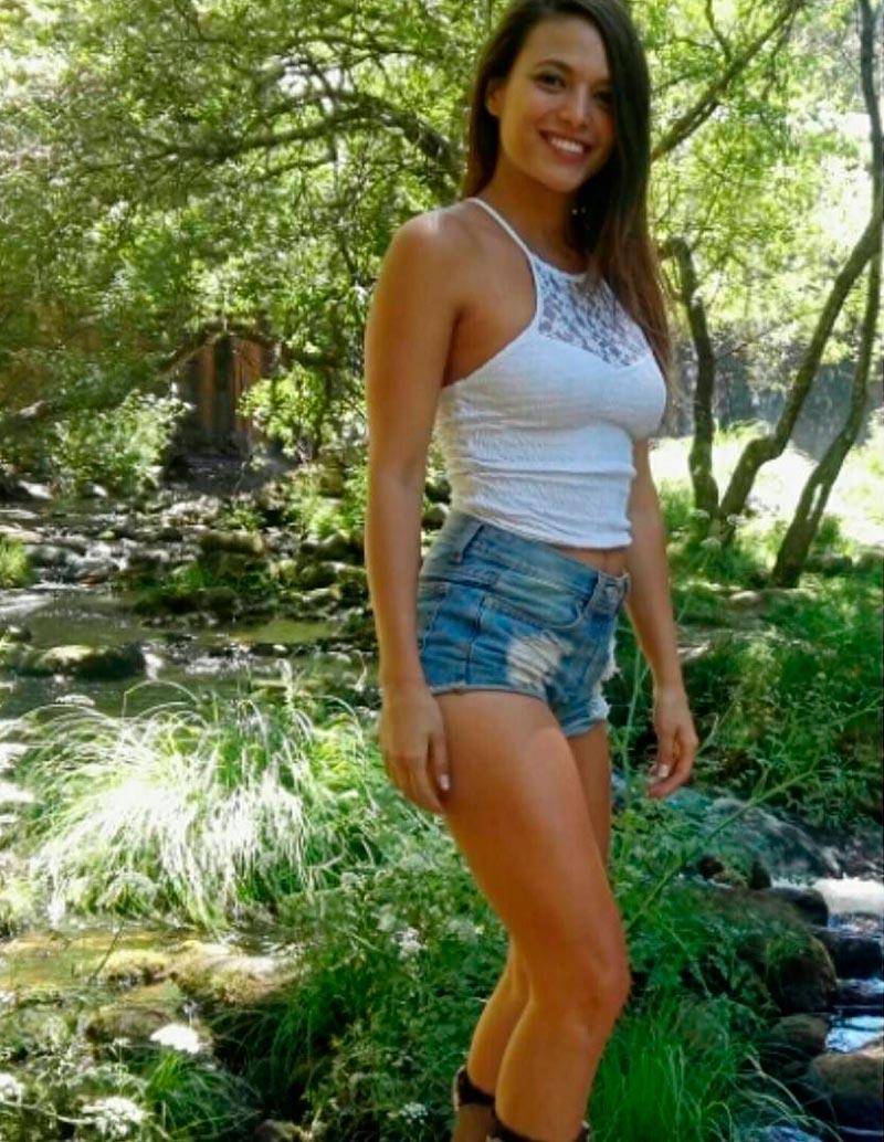 Elisa Mouliaa Fotos Sexys Instagram