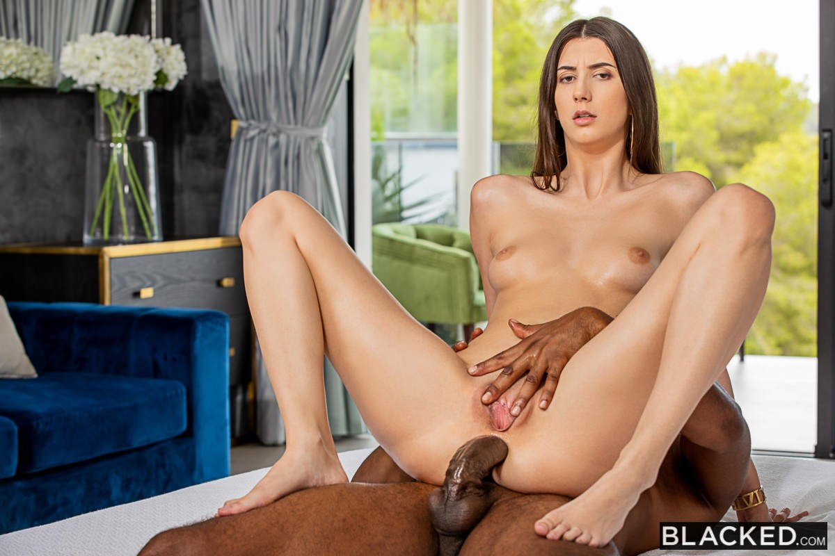 Lina Luxa Blacked 2