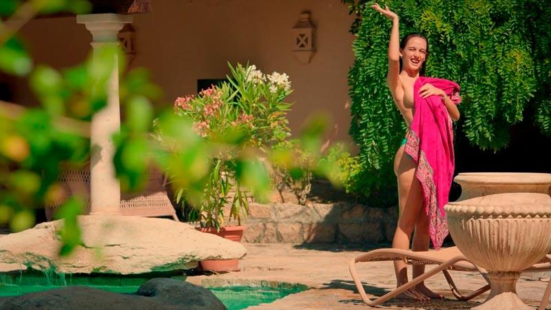 María De Nati Desnuda Serie Deudas