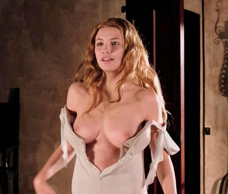 Miriam Giovanelli Desnuda Vampiresa Sexy 5