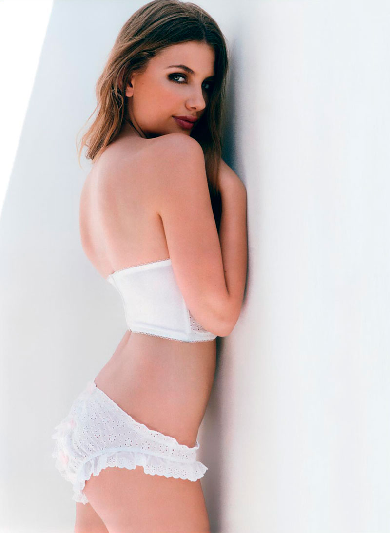 Miriam Giovanelli Posado Erótico Lencería 4