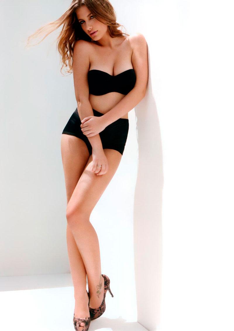 Miriam Giovanelli Posado Erótico Lencería 7