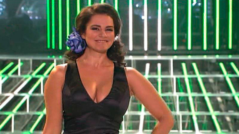 Sylvia Pantoja Escote Cara Suena Antena 7