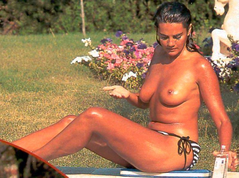 Sylvia Pantoja Pillada Topless Robado Paparazzi 13