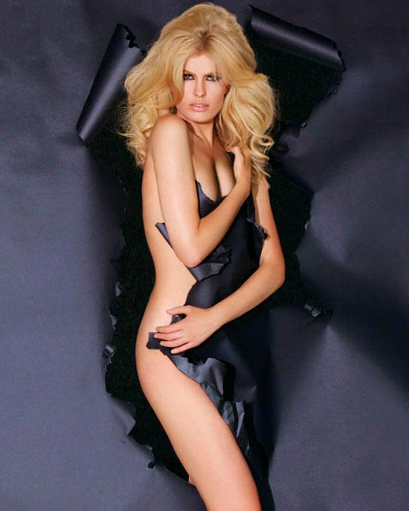 Adriana Abenia Desnuda Revista Hombres
