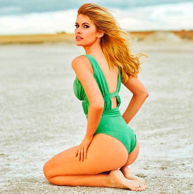 Adriana Abenia Fotos Sexys Bikini Mar 3