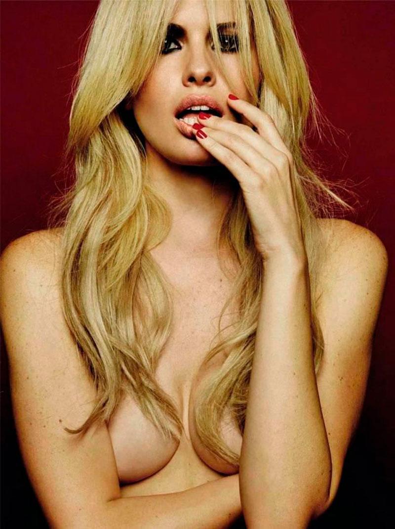 Adriana Abenia Topless Revista Erótica