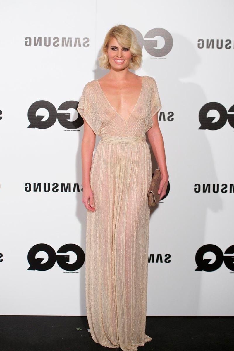 Adriana Abenia Topless Vestido Transparentado