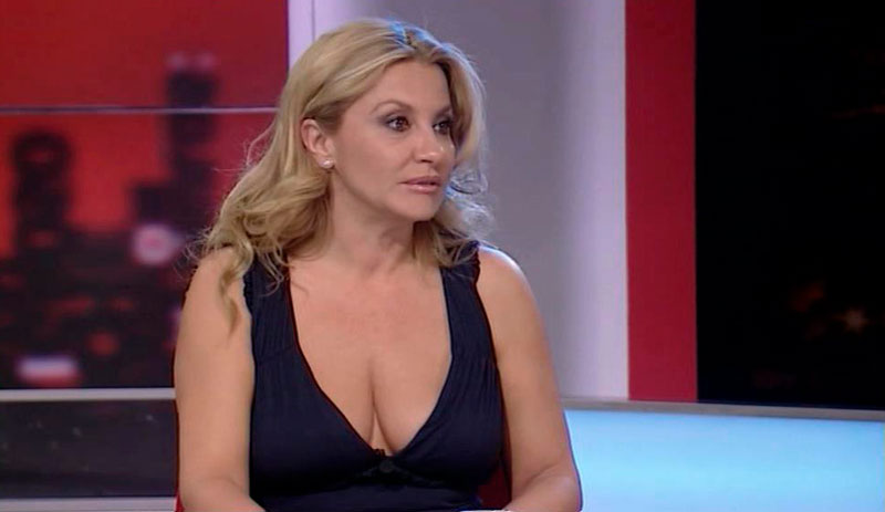 Cristina Tárrega Amplio Escote Canalillo