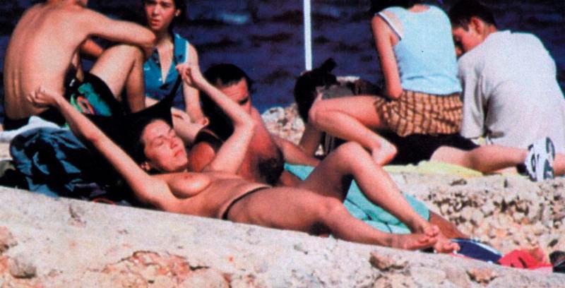 Cristina Tárrega Pillada Topless Playa 4