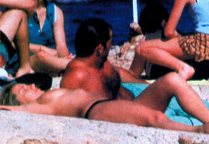 Cristina Tárrega Pillada Topless Playa 5