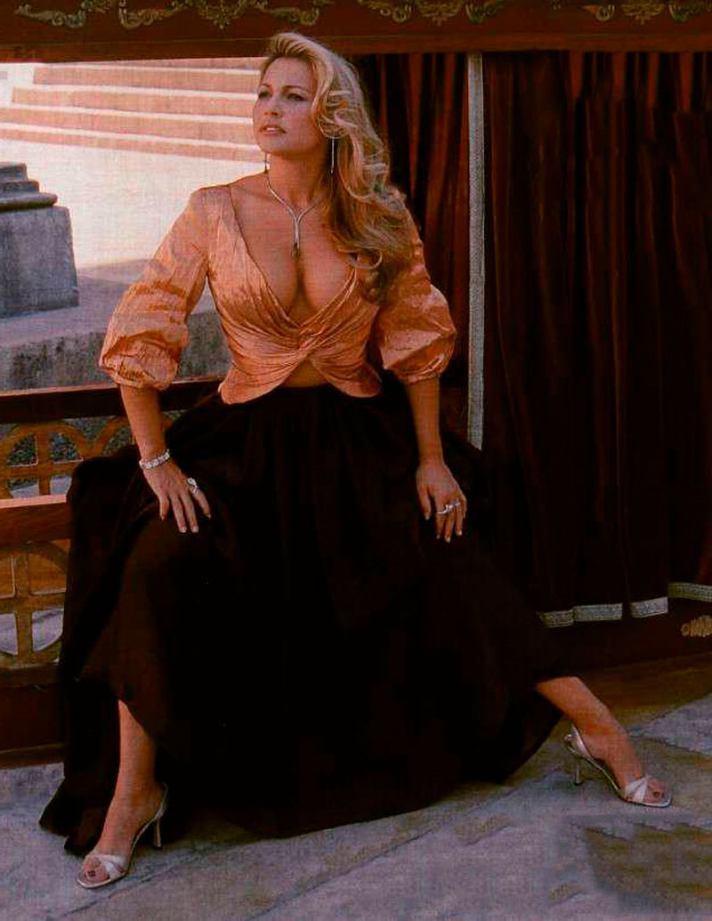 Cristina Tàrrega Sensual Posado Revista Moda