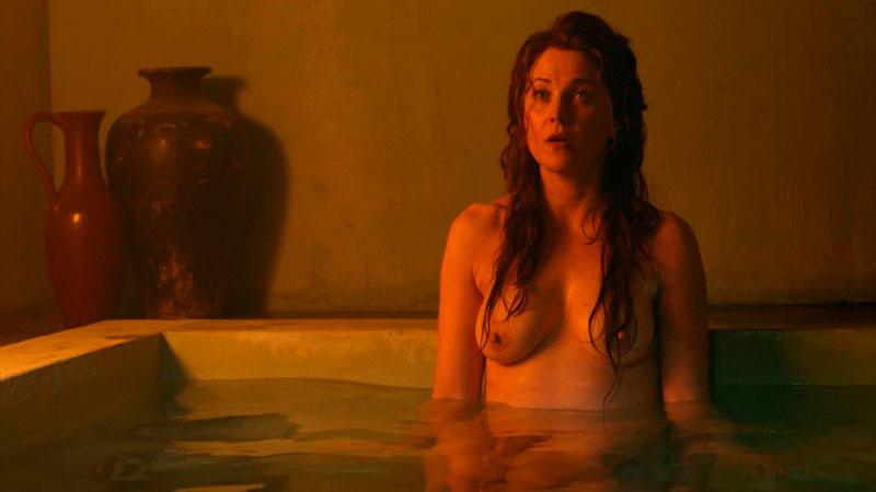 Lucy Lawless Lucrecia Desnuda Tetas Serie Spartacus