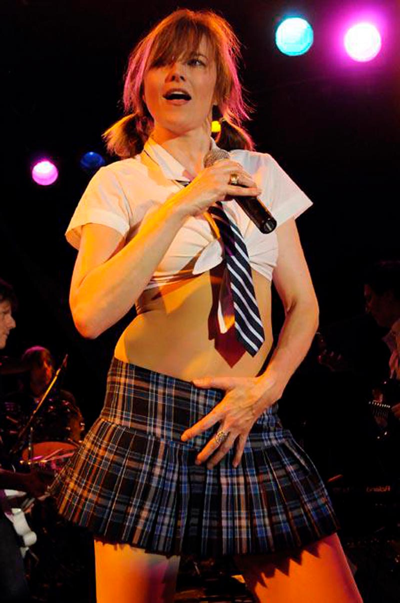 Lucy Lawless Actriz Neozelandesa Vestida Sexy Colegiala