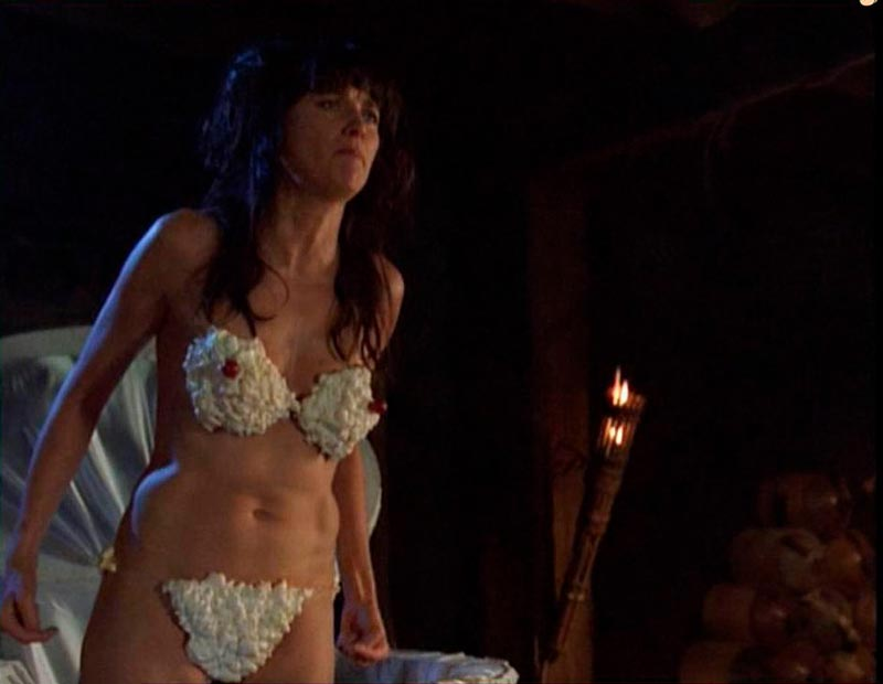Lucy Lawless Desnuda Bikini Nata 2