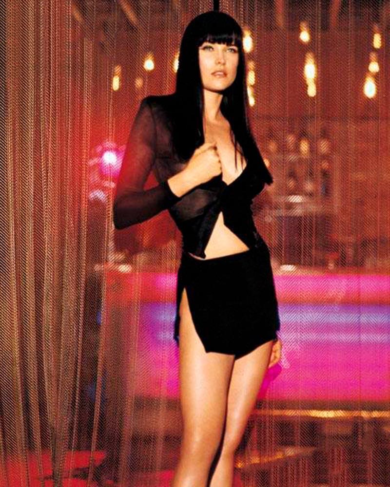 Lucy Lawless Fotos Eróticas Lencería 4