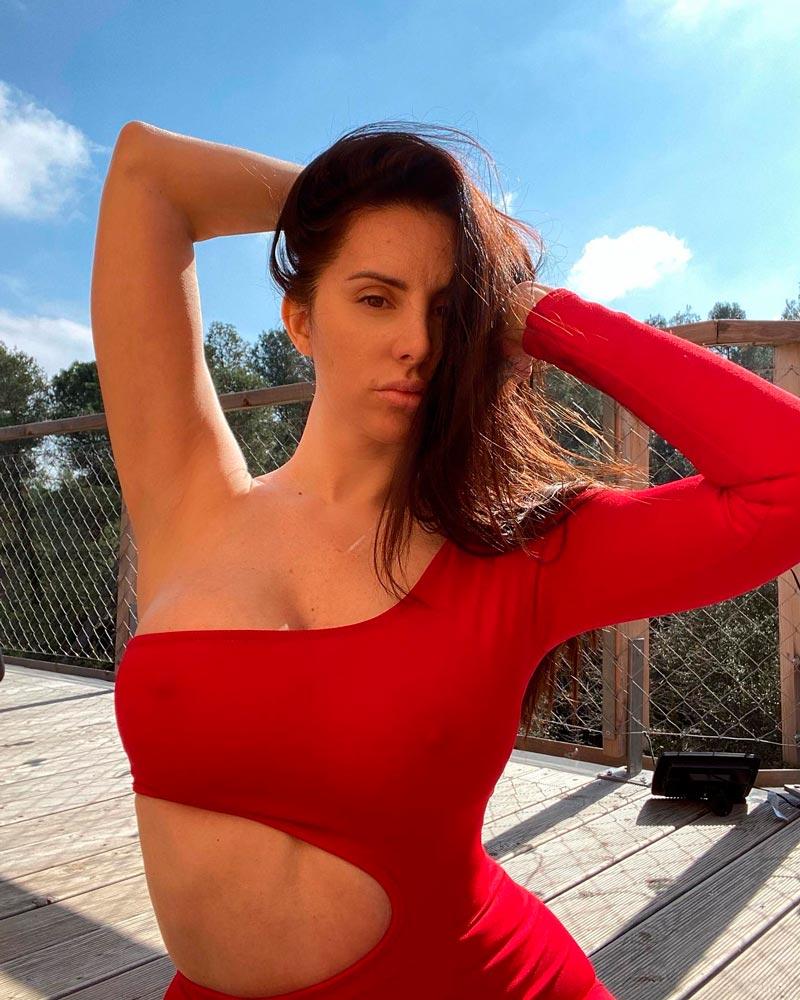 Mala Rodríguez Cantante Española Vestido Rojo Sexy 2