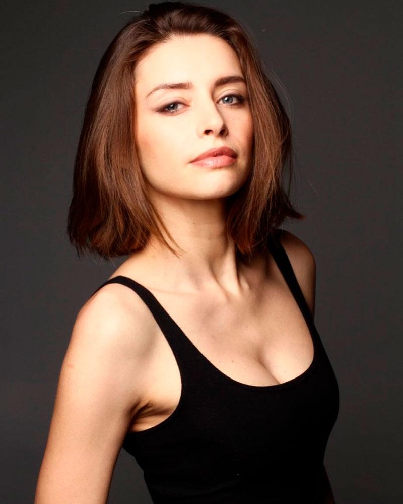 Ariadna Cabrol Fotos Sexys 6