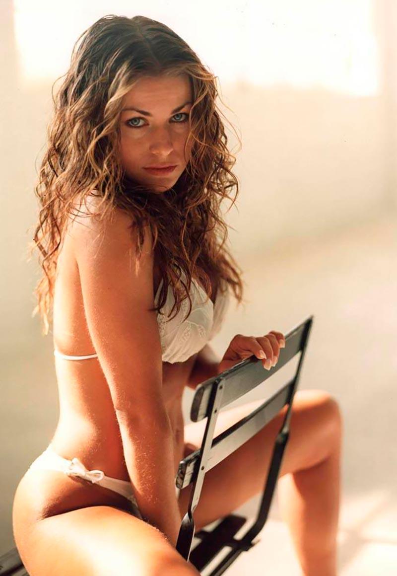 Carmen Electra Bikini Sexy 7