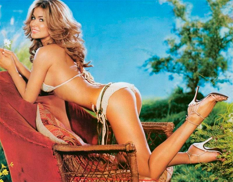 Carmen Electra Colección Bikinis Pornográficos 9
