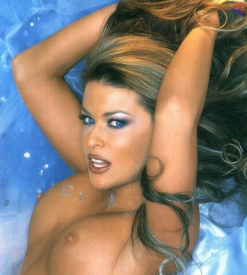 Carmen Electra Desnuda Fotos Eróticas 6