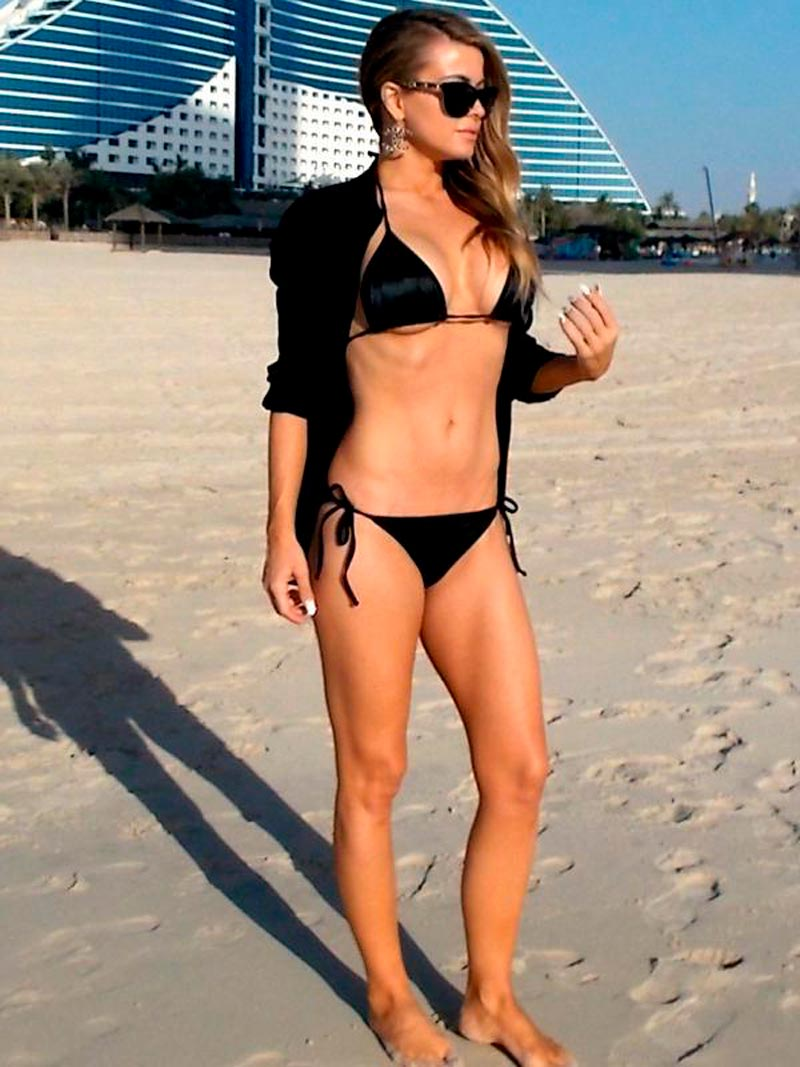 Carmen Electra Famosa Serie Vigilantes Playa 3