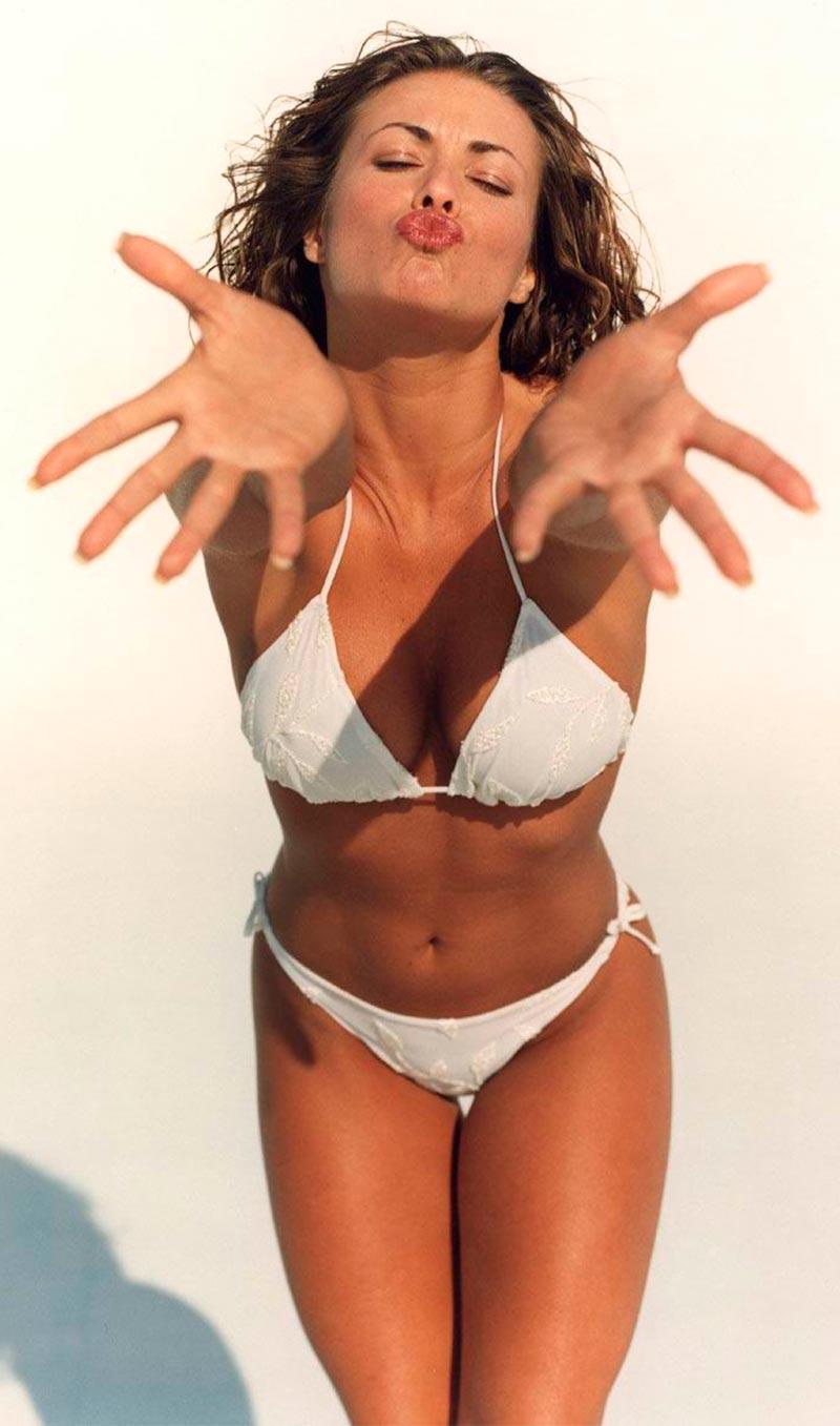 Carmen Electra Semidesnuda Lencería Erótica 8