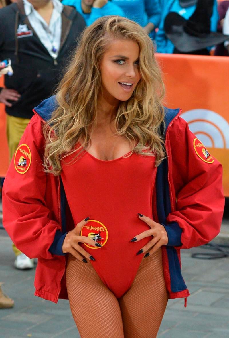 Carmen Electra Sexy Vigilantes Playa 7