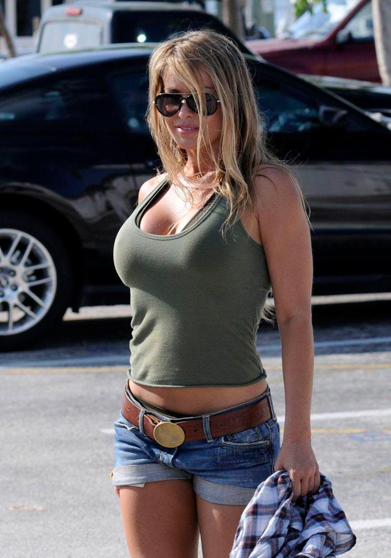 Carmen Electra Sexy Vigilantes Playa 8
