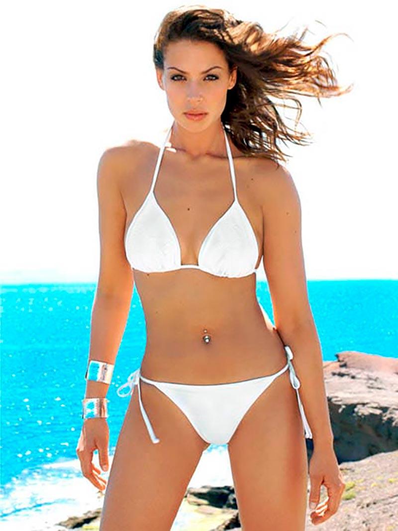Eva González Bikini Espectacular