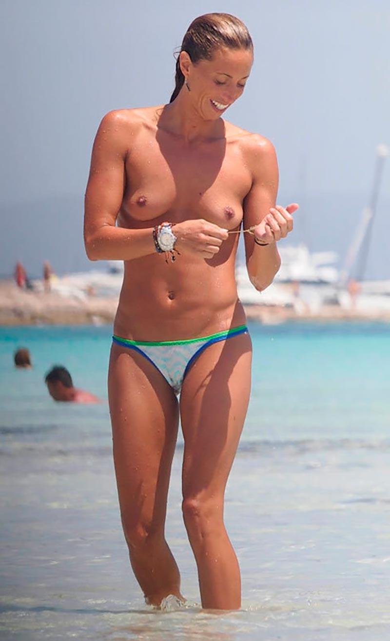 Gemma Mengual Desnuda Tetas Topless Plata Ibiza