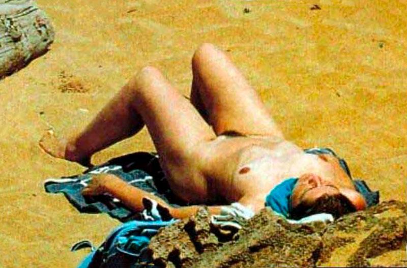 María Pujalte Desnuda Nudismo Pillada Playa 4