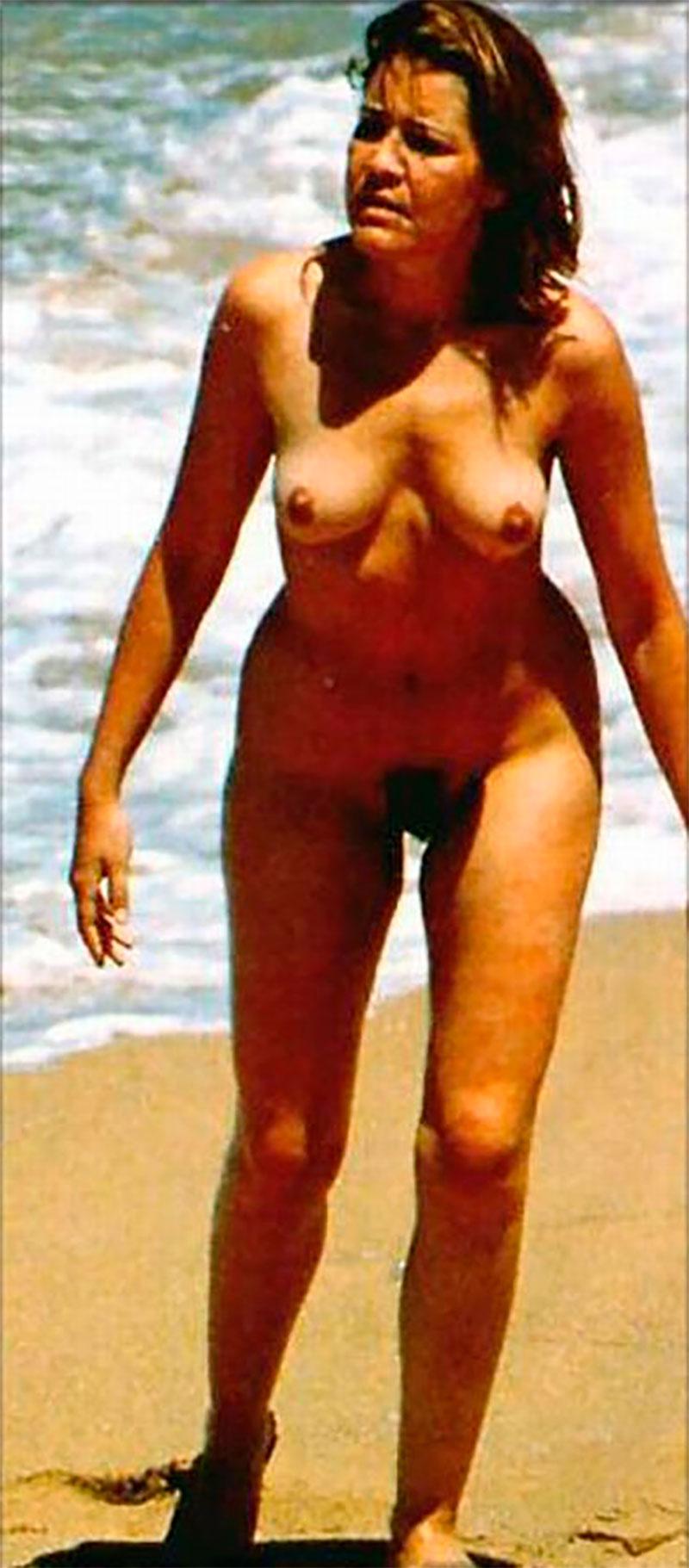 María Pujalte Desnuda Nudismo Pillada Playa