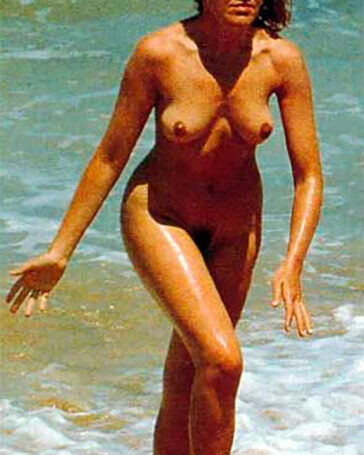 María Pujalte Desnuda Topless Pillada Playa