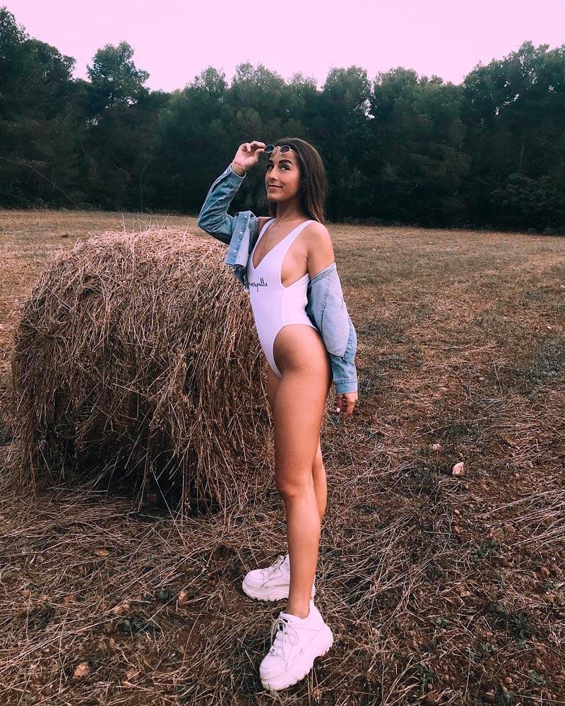 Paula Gonu Bañador Provocativo Sexualmente 2
