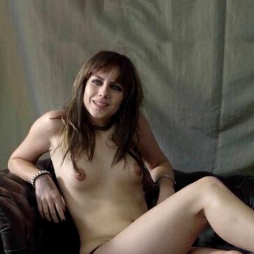 Aura Garrido Desnuda Tetas Topless Crematorio