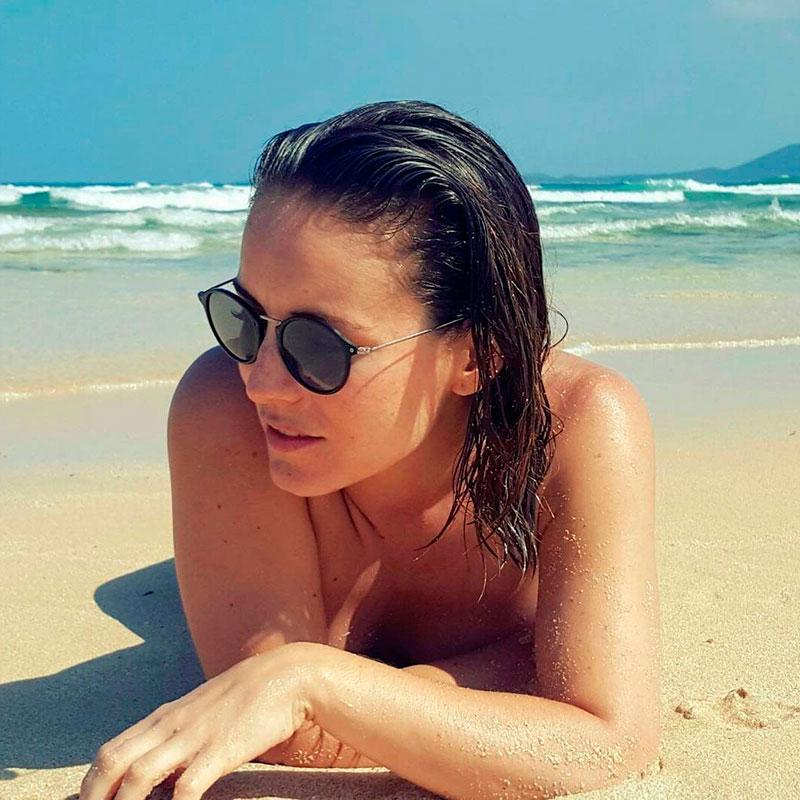 Claudia Molina Topless Fotos Instagram 2