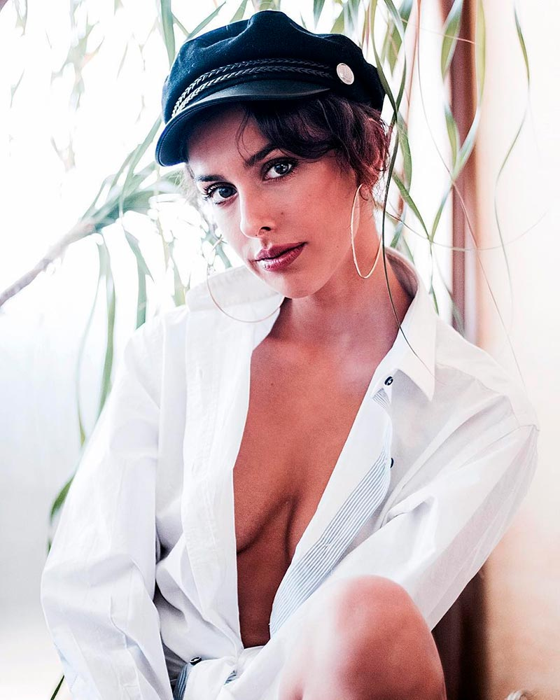 Laura Moray Desnuda Actriz Posado Erótico 4