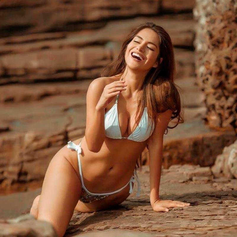 Miriam Saavedra Bikini Cuerpo Espectacular 8