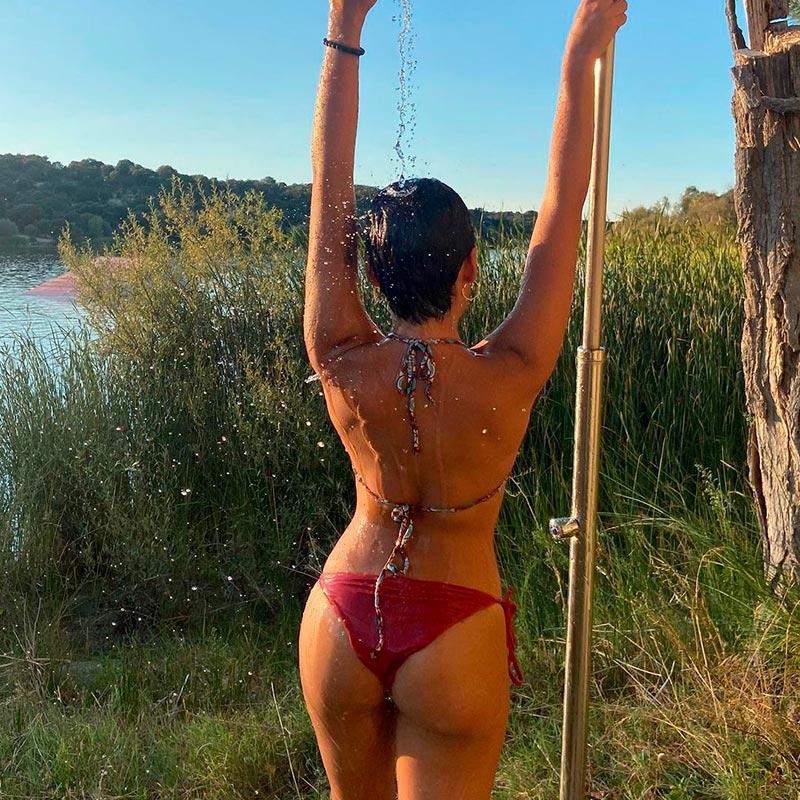 Carla Díaz Fotos Duchándose Bikini Hot 2