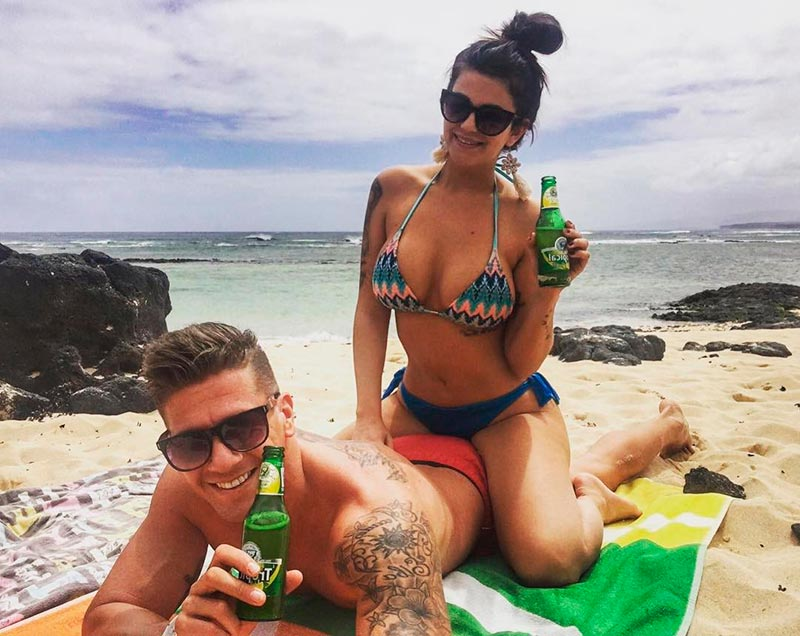 Lola Ortiz Playa Junto Novio